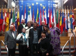 Photo souvenir des membres de l'AQHT avec le député Edouard Martin