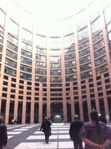 parlement-europeen-cour-interieure-AQHT-octobre-2015