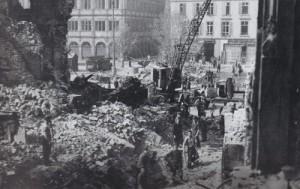 Copyright (Baptiste RIVIERE) Date : 08/1944 Travaux de déblaiement Source : 40-45 Strasbourg bombardé (Livre)