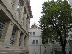Tribunal et extension provisoire